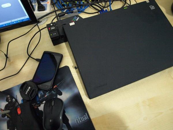 给工作站安了个新家,IBM W500扩展坞。