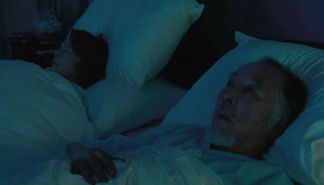 中国空巢老人调查:在孤独中,人的尊严也会丧失干净