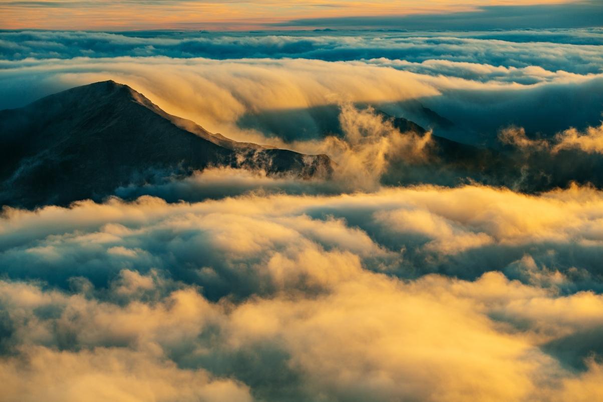 高山 天空 云 5K摄影风景图片