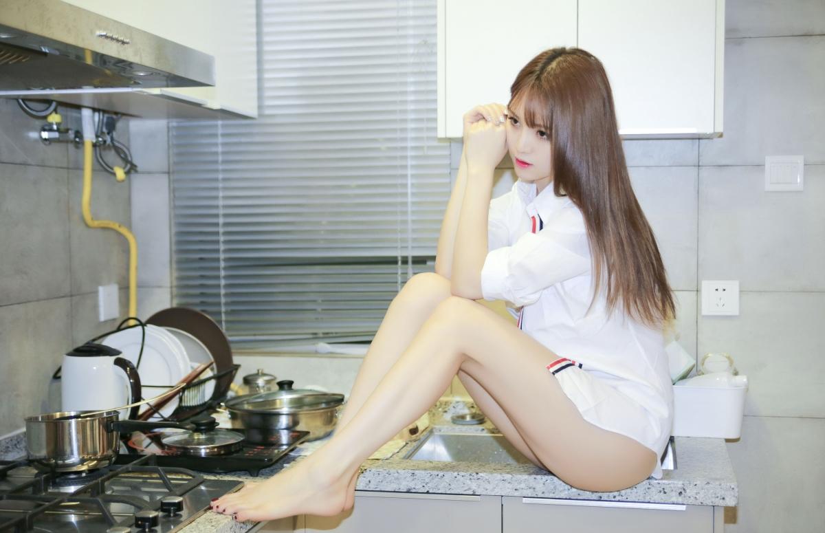 厨房美女写真 Crystal Lee李倩倩4K壁纸